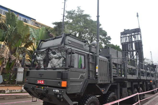Nhìn cận cảnh tổ hợp tên lửa mới cứng của phòng không Việt Nam: Đẳng cấp thế giới - Ảnh 5.