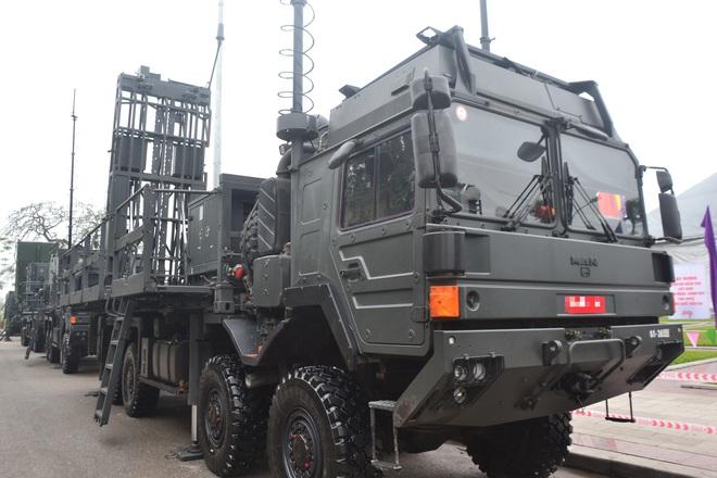 Nhìn cận cảnh tổ hợp tên lửa mới cứng của phòng không Việt Nam: Đẳng cấp thế giới - Ảnh 6.
