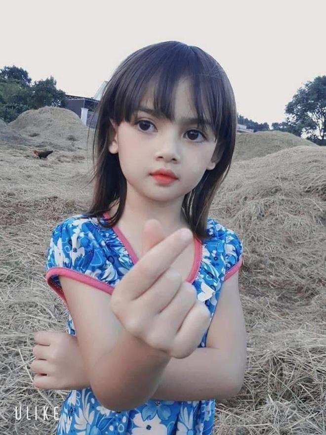 Cô bé người Ba Na xinh đẹp ở Gia Lai khiến dân mạng trầm trồ: Hoa hậu tương lai đây rồi! - Ảnh 2.