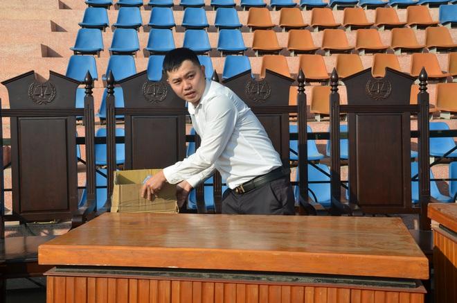 [ẢNH] Hội trường sức chứa 8.000 người cho phiên xử vụ nữ sinh giao gà ở Điện Biên - Ảnh 4.