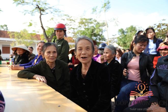 """Khi danh thủ Quang Hải, MC Thảo Vân """"duyệt"""" ước mơ của học sinh nghèo Can Lộc - Ảnh 3."""
