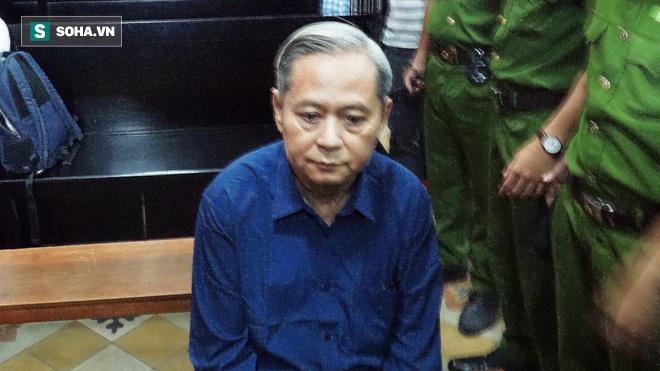 Nguyên Phó Chủ tịch UBND TP HCM Nguyễn Hữu Tín không khỏe trong ngày xét xử - Ảnh 1.