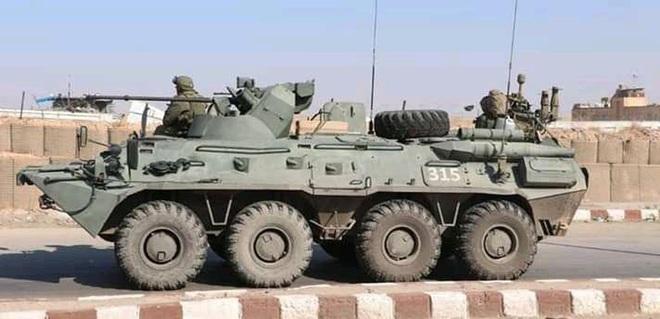 Đoàn xe tuần tra của quân cảnh Nga bị Mỹ chặn lại bằng vũ lực - Ảnh 11.