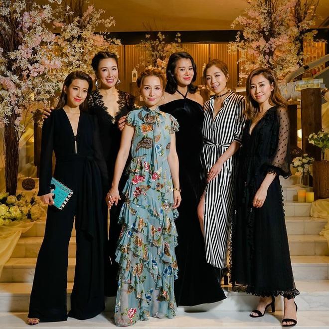 Hội bạn thân quyền lực nhất Hong Kong: Toàn mỹ nhân xinh đẹp, nóng bỏng và giàu có - Ảnh 19.
