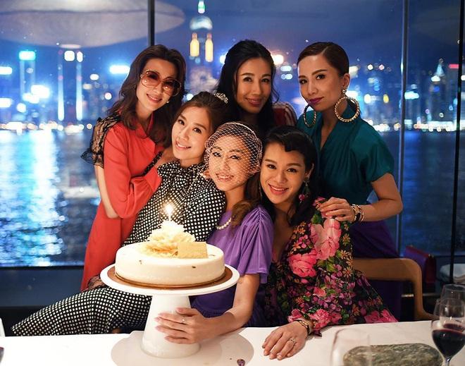 Hội bạn thân quyền lực nhất Hong Kong: Toàn mỹ nhân xinh đẹp, nóng bỏng và giàu có - Ảnh 20.