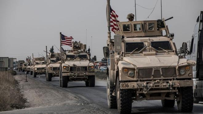 Đoàn xe tuần tra của quân cảnh Nga bị Mỹ chặn lại bằng vũ lực - Ảnh 6.
