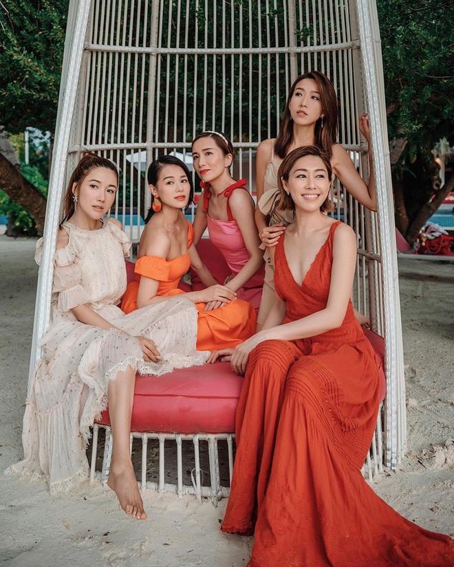 Hội bạn thân quyền lực nhất Hong Kong: Toàn mỹ nhân xinh đẹp, nóng bỏng và giàu có - Ảnh 7.
