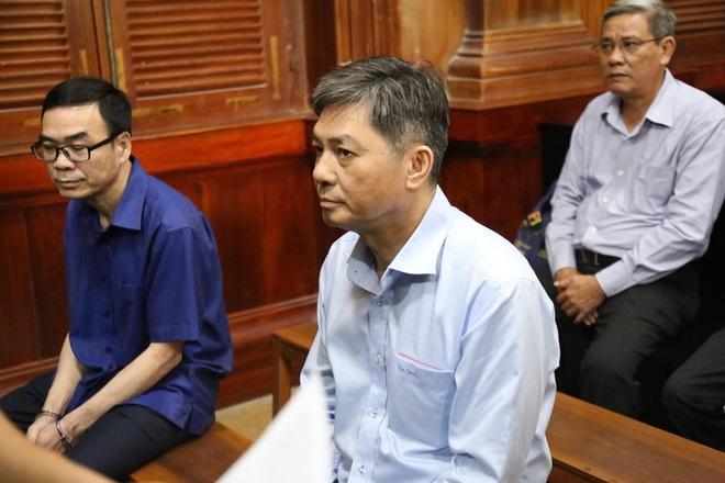 Bị cáo Nguyễn Hữu Tín, nguyên Phó Chủ tịch UBND TP HCM nói tại phiên xử: Tôi biết tôi sai rồi - Ảnh 1.