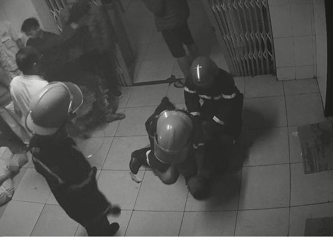 Hiện trường tan hoang vụ nam bệnh nhân đốt bệnh viện, khống chế để hiếp dâm nữ y tá đang mang thai - Ảnh 7.