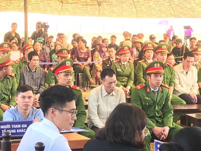 Lời phản cung của Bùi Văn Công khiến hàng trăm người dự toà bức xúc - Ảnh 1.