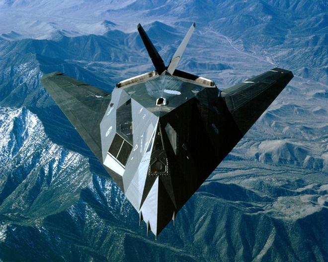 Những dự án máy bay tối mật nhất ở Khu vực 51 của Mỹ - Ảnh 7.