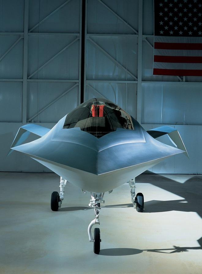 Những dự án máy bay tối mật nhất ở Khu vực 51 của Mỹ - Ảnh 8.