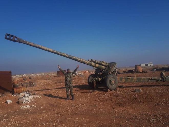 CẬP NHẬT: Tên lửa TOW nã thẳng vào xe tăng T-62 của QĐ Syria - TT Trump cáo buộc Nga đang đi trên con đường giết chóc - Ảnh 23.