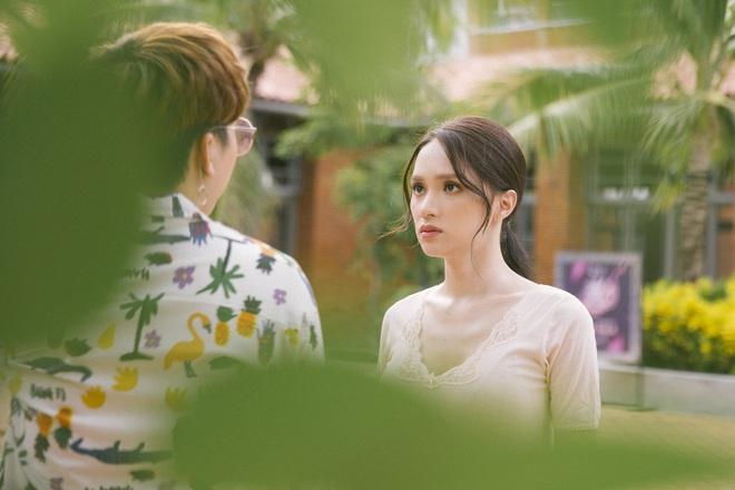Hé lộ hậu trường vai diễn điện ảnh đầu tay của Hoa hậu Chuyển giới Hương Giang - Ảnh 2.