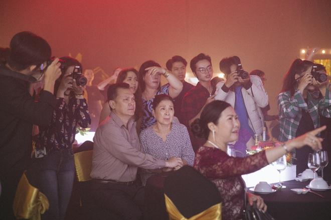 Hé lộ hậu trường vai diễn điện ảnh đầu tay của Hoa hậu Chuyển giới Hương Giang - Ảnh 10.