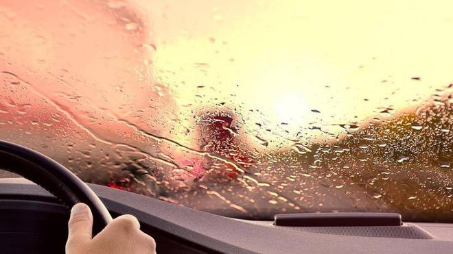 Vì sao tài xế nên bật điều hòa vào mùa đông? - Ảnh 2.