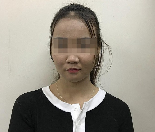 2 cô gái trẻ đẹp bán dâm 4 triệu đồng/người/lượt tàu nhanh - Ảnh 1.