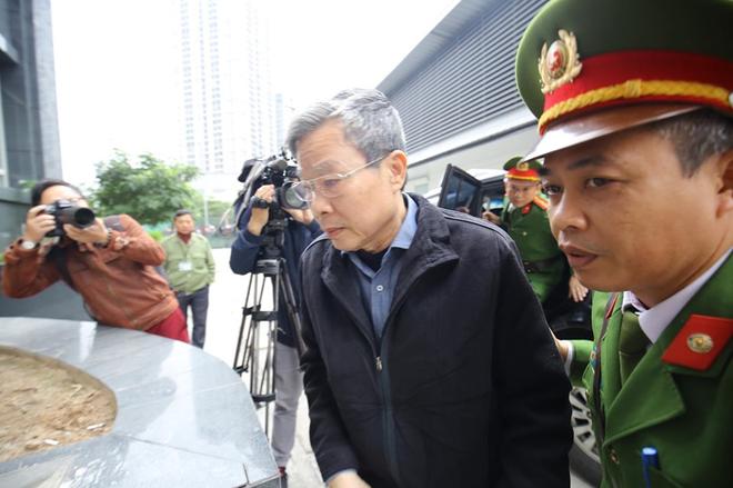Tuyên án vụ MobiFone mua AVG: Ông Nguyễn Bắc Son bị tuyên án chung thân, Trương Minh Tuấn 14 năm tù - Ảnh 12.