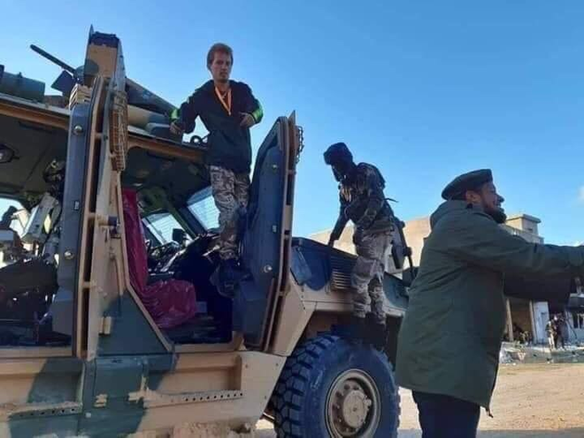 CẬP NHẬT: Không vận thành công 250 phiến quân Syria tới Libya, F-16 Thổ đánh rắn dập đầu một loạt căn cứ của LNA? - Ảnh 16.