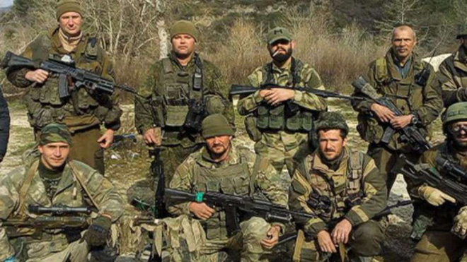 [ẢNH] Lính đánh thuê Mỹ chặn quân Nga: Làm sao để tránh xung đột trực tiếp? - Ảnh 7.