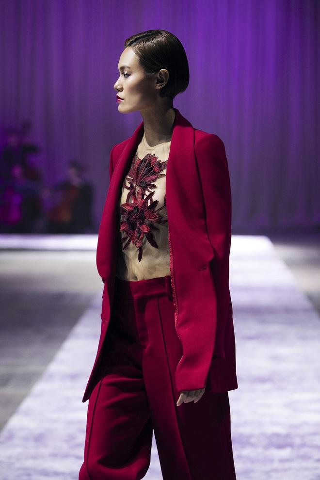 Hoa hậu Hoàn vũ Riyo Mori đến Việt Nam, làm vedette cho show diễn của Công Trí  - Ảnh 6.