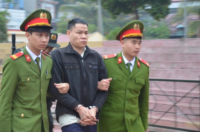 Vụ nữ sinh giao gà bị bắt cóc, hãm hiếp: Các bị cáo đã bàn bạc kế hoạch bắt cóc bà Trần Thị Hiền - Ảnh 2.