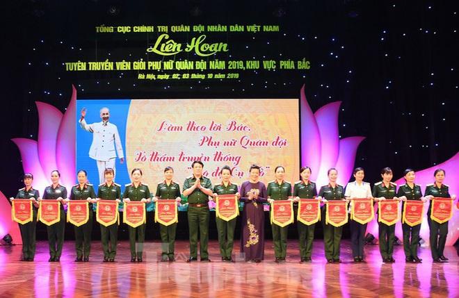 Dấu ấn 'bóng hồng' Quân đội năm 2019 - Ảnh 1.