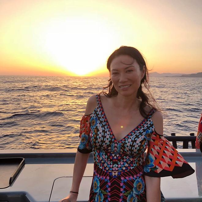Tỷ phú giàu có khét tiếng Trung Quốc: Hơn 50 tuổi vẫn quyến rũ, yêu trai trẻ kém 28 tuổi - Ảnh 11.