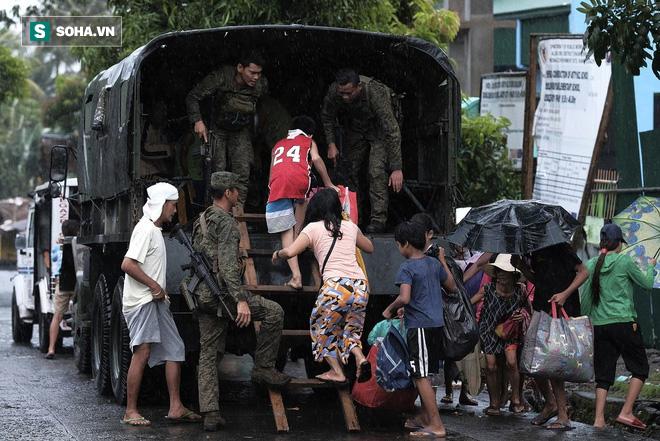 Cuồng phong Kammuri sắp vào Biển Đông, nửa triệu người Philippines sơ tán khẩn cấp: Bão đang mạnh hay yếu? - ảnh 1