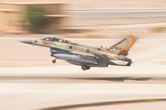 Pantsir-S1 Syria ẩn nấp kỹ vẫn bị không quân Israel tiêu diệt? - Ảnh 1.