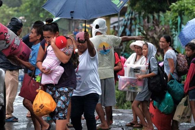 Hình ảnh mưa bão càn quét Philippines, nhiều môn thi SEA Games bị huỷ - Ảnh 3.