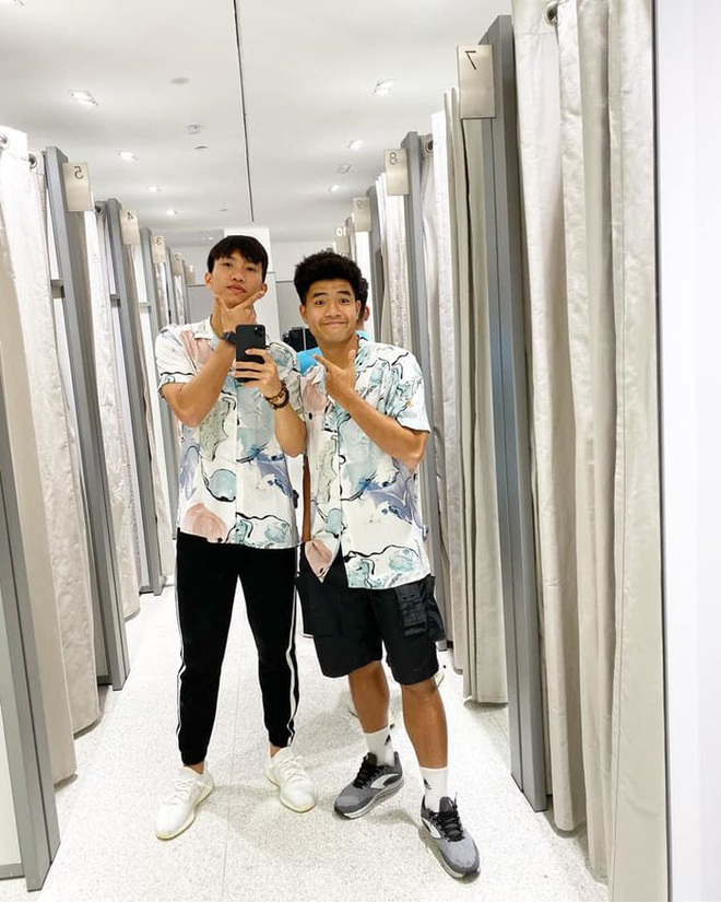 Các cầu thủ U22 Việt Nam dùng điện thoại gì tại SEA Games 30? - Ảnh 4.
