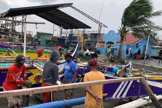 Hình ảnh mưa bão càn quét Philippines, nhiều môn thi SEA Games bị huỷ - Ảnh 5.