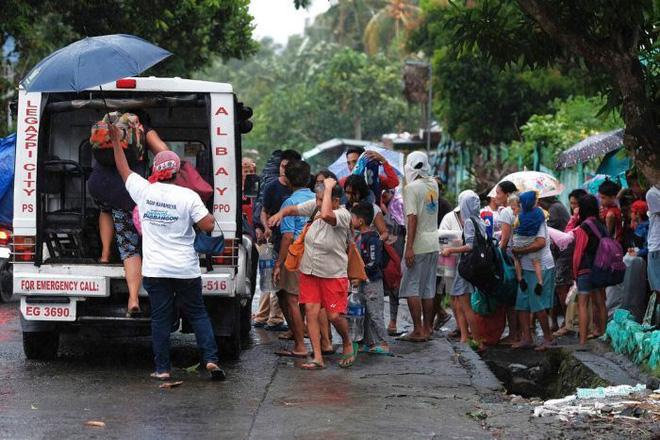 Hình ảnh mưa bão càn quét Philippines, nhiều môn thi SEA Games bị huỷ - Ảnh 10.