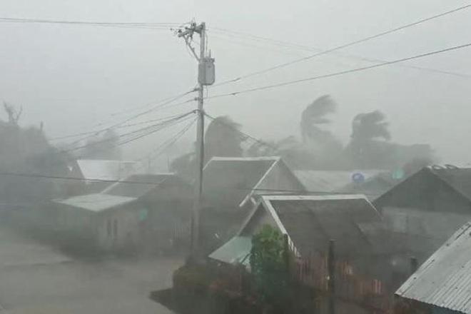 Hình ảnh mưa bão càn quét Philippines, nhiều môn thi SEA Games bị huỷ - Ảnh 11.