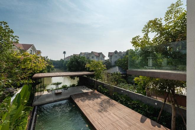 Độc đáo ngôi nhà ở Hà Nội nắng chiếu mọi nơi, trong nhà mà không khác gì ngoài trời - Ảnh 3.