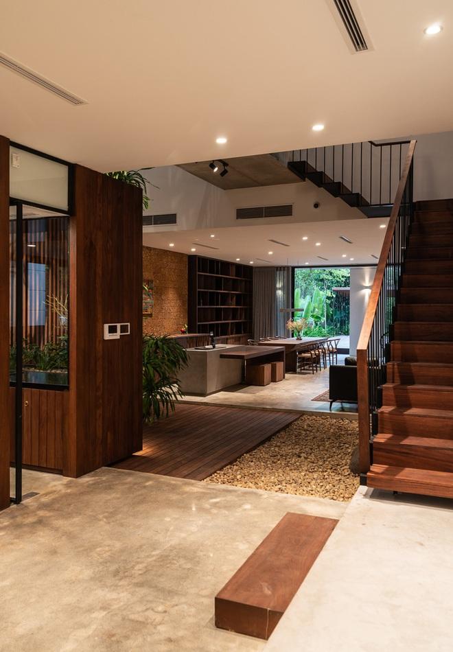 Độc đáo ngôi nhà ở Hà Nội nắng chiếu mọi nơi, trong nhà mà không khác gì ngoài trời - Ảnh 10.