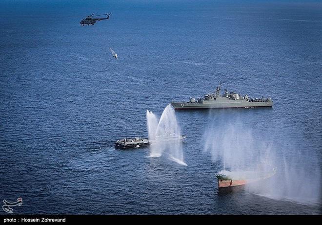 CẬP NHẬT: Mỹ tấn công, giáng đòn sấm sét vào Iran - KQ Nga đột ngột xuất kích ổ ạt - Ảnh 26.