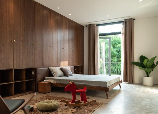 Độc đáo ngôi nhà ở Hà Nội nắng chiếu mọi nơi, trong nhà mà không khác gì ngoài trời - Ảnh 6.