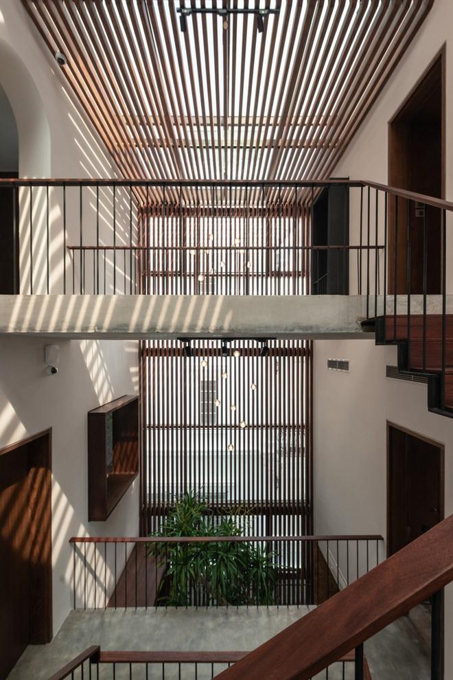 Độc đáo ngôi nhà ở Hà Nội nắng chiếu mọi nơi, trong nhà mà không khác gì ngoài trời - Ảnh 9.