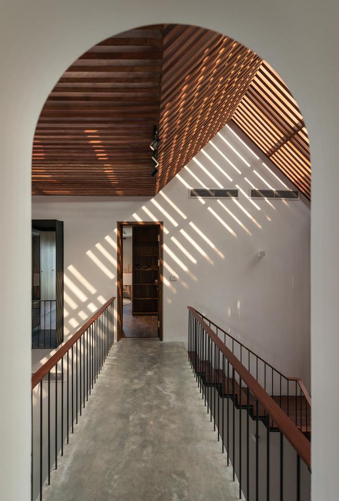 Độc đáo ngôi nhà ở Hà Nội nắng chiếu mọi nơi, trong nhà mà không khác gì ngoài trời - Ảnh 11.