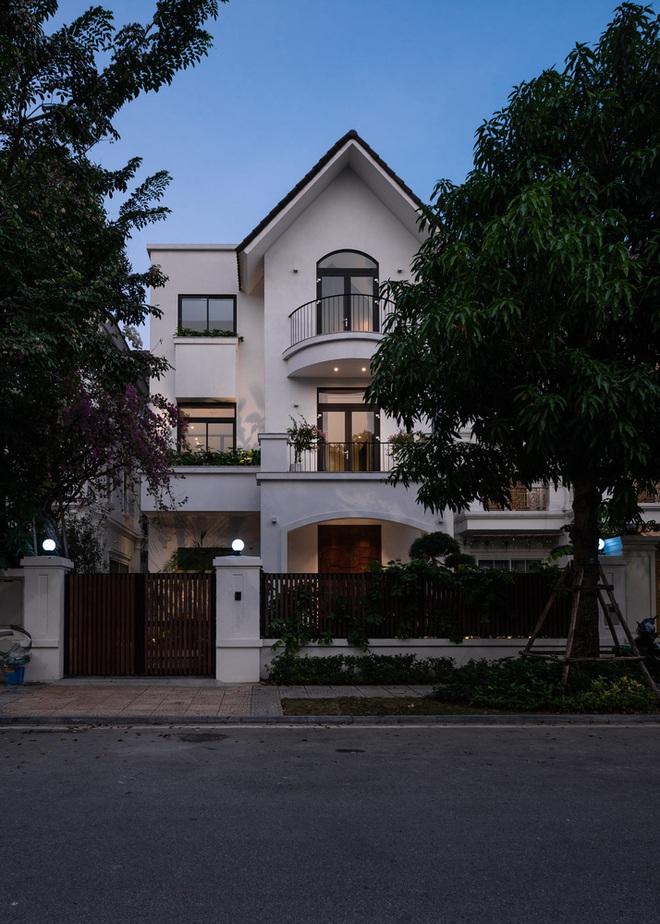 Độc đáo ngôi nhà ở Hà Nội nắng chiếu mọi nơi, trong nhà mà không khác gì ngoài trời - Ảnh 13.