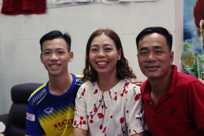 Bố mẹ Tiến Linh: Tết này không mong Linh về, cứ ở Thái Lan cùng tuyển Việt Nam vào trận chung kết U23 châu Á - Ảnh 20.