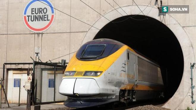 Xuyên qua 8 múi giờ, đây là tuyến đường sắt dài bậc nhất, hiểm trở nhất thế giới - ảnh 10