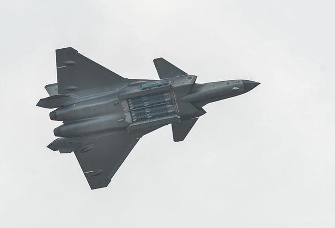 [ẢNH] Không phải MiG-1.44, J-20 thực chất là bản sao tiêm kích tuyệt mật của Liên Xô - ảnh 8