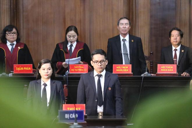 [Nóng] Cựu Phó Chủ tịch UBND TPHCM Nguyễn Hữu Tín lĩnh 7 năm tù vì giao đất vàng cho Vũ nhôm - Ảnh 1.
