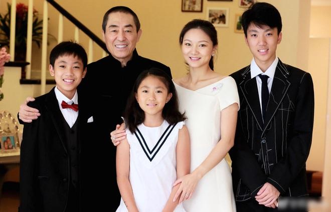 Trương Nghệ Mưu: Bỏ vợ khi thành danh, kết hôn với học trò kém 31 tuổi - Ảnh 8.
