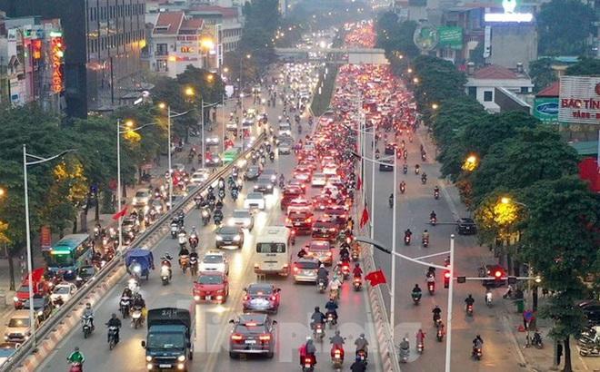 Bến xe ế khách, cửa ngõ Hà Nội thông thoáng chiều cuối năm - Ảnh 13.