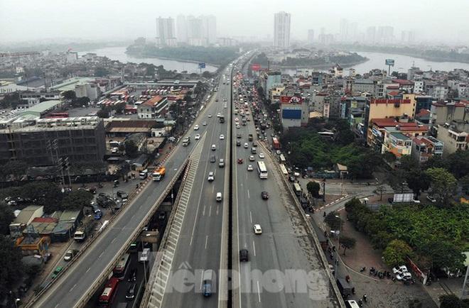 Bến xe ế khách, cửa ngõ Hà Nội thông thoáng chiều cuối năm - Ảnh 8.