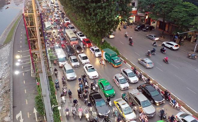 Bến xe ế khách, cửa ngõ Hà Nội thông thoáng chiều cuối năm - Ảnh 10.